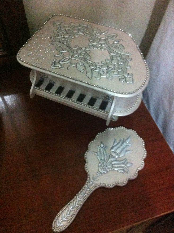 Neriman Gürbüz - piyano kutu çalışması