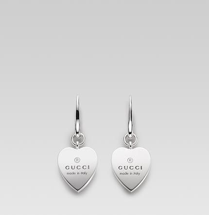 jewelry earrings  patricia papenberg jewelry  Gucci http://www.patriciapapenberg.com/default/brands-jewels/jewels-gucci-gioielli/gucci-jewels-earrings-gucci-trademark-heart-pendant.html
