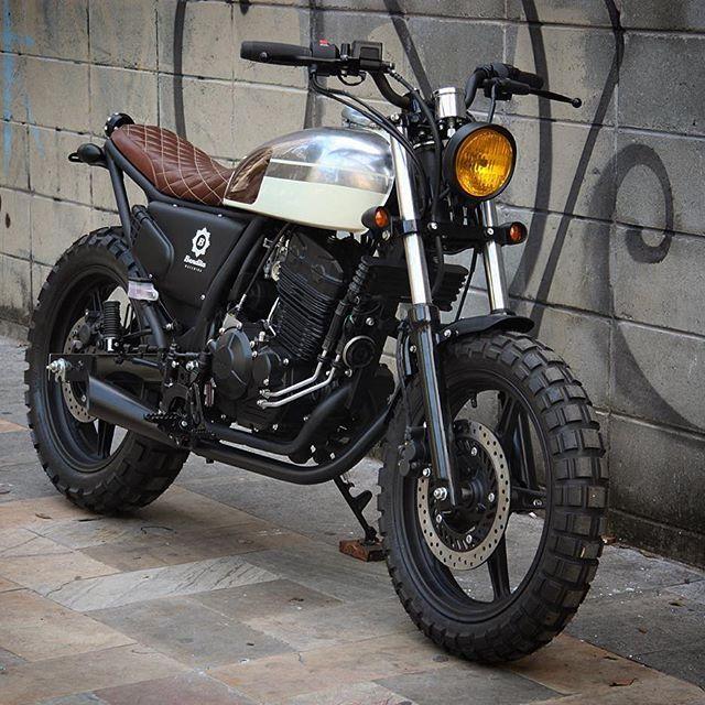 Laurinha Plim Plim - Honda 300cc 0km. Para saber más sobre los coches no olvides visitar marcasdecoches.org