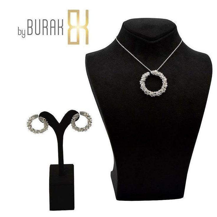 #pırlanta setimiz en güzel ve en özel anların vazgeçilmezi olmaya aday... #byburakdiamond #güzelliğiniziyüceltir #şımartkendini #kolye #küpe #pırlantakolye #pırlantaküpe #özelüretim #doğumgünü #yıldönümü #düğün #nişan #gelin #diamond #necklace #earring #engagament #wedding #anniversary #jewelry #jewelrydesign #instajewellery #jewellery #bride #bridetobe #bağdatcaddesi #feneryolu http://turkrazzi.com/ipost/1521531691099926178/?code=BUdkQL6gq6i