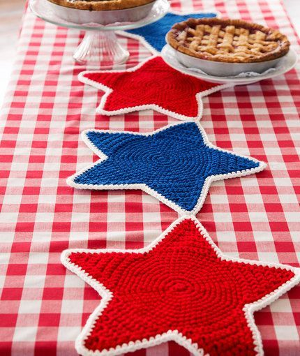 Americana Star Table Runner Free Crochet Pattern from Red Heart Yarns