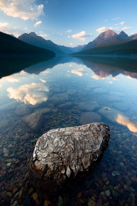 Need a mental vacation? Check out Lake McDonald, Montana- What a beautiful place in our beautiful country! #travel #usa #celebratingamerica