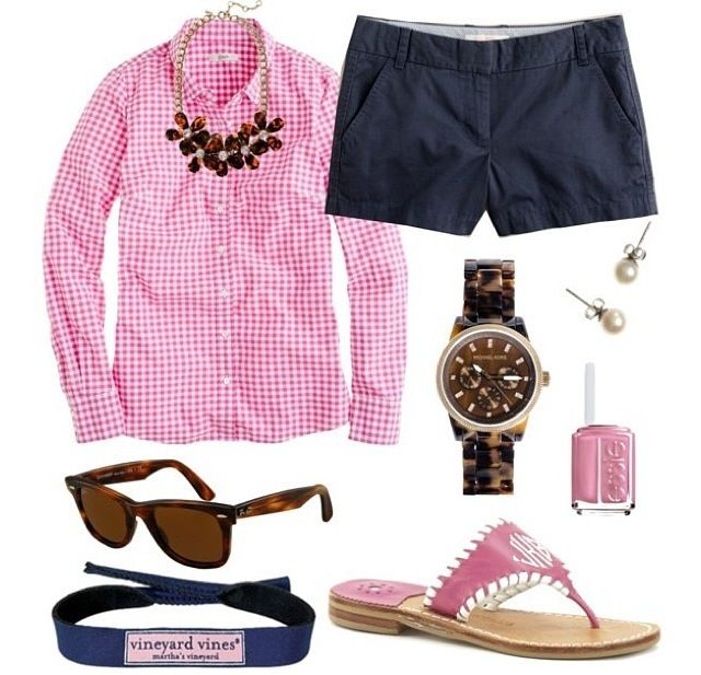 Pretty In Pink- love this shirt and color scheme. Could wear with fitted navy pants instead of shorts.