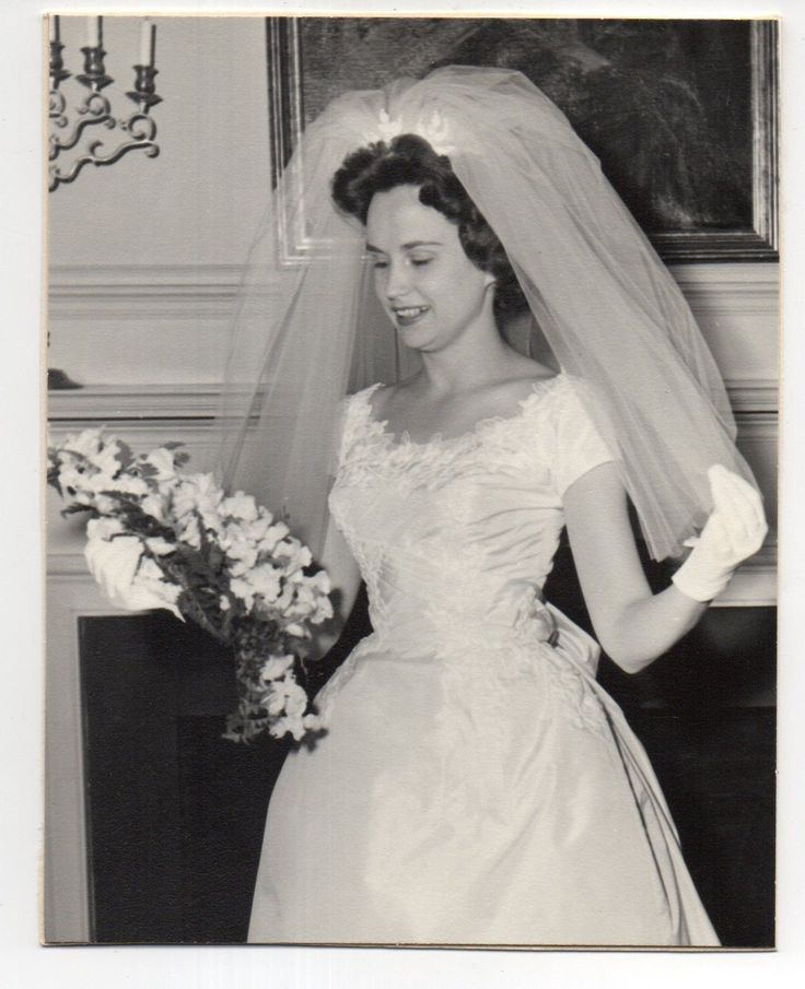 Vintage Photo Pretty Bride Wedding Portrait 1960's Nov