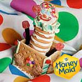 Looking for the perfect baking activity with the kids? Try our Jack in the box recipe made with Honey Maid Graham Crackers.