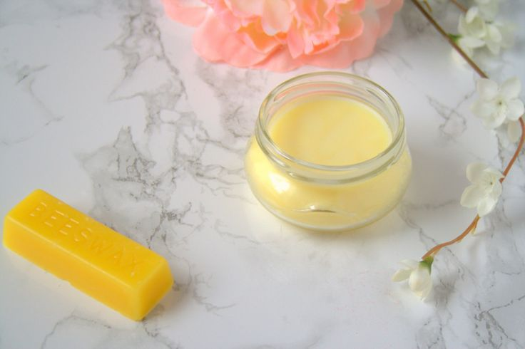A healing salve made from coconut oil, pure beeswax, and vitamin E oil. Quick and easy to make. You'll have soft smooth skin in no time!   The Refreshanista