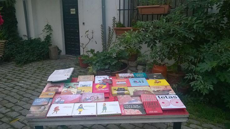 Hoy puedes encontrarnos también en la @cncMirador con una selección especial de libros infantiles https://www.veniracuento.com/