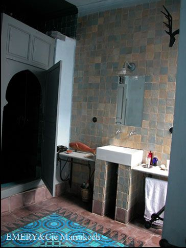 Back splash in kitchen emery cie tiles zelliges for Emery cie carrelage