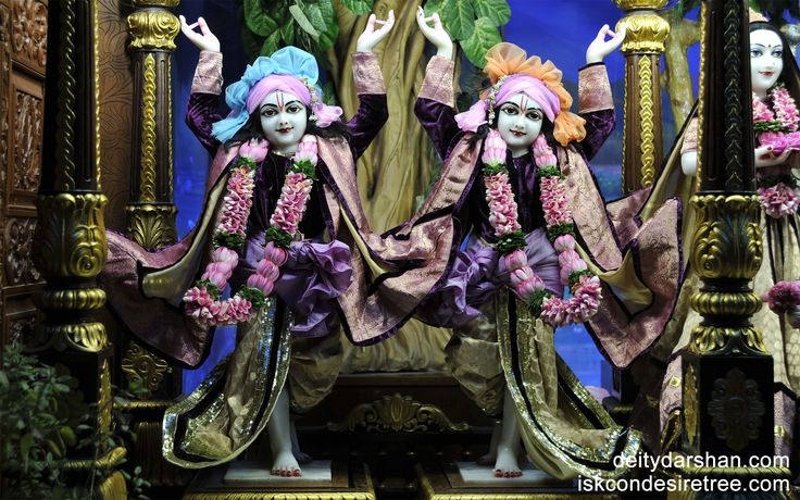 To view Gaura Nitai Wallpaper of ISKCON Chowpatty in difference sizes visit - http://harekrishnawallpapers.com/sri-sri-nitai-gaurachandra-wallpaper-006/