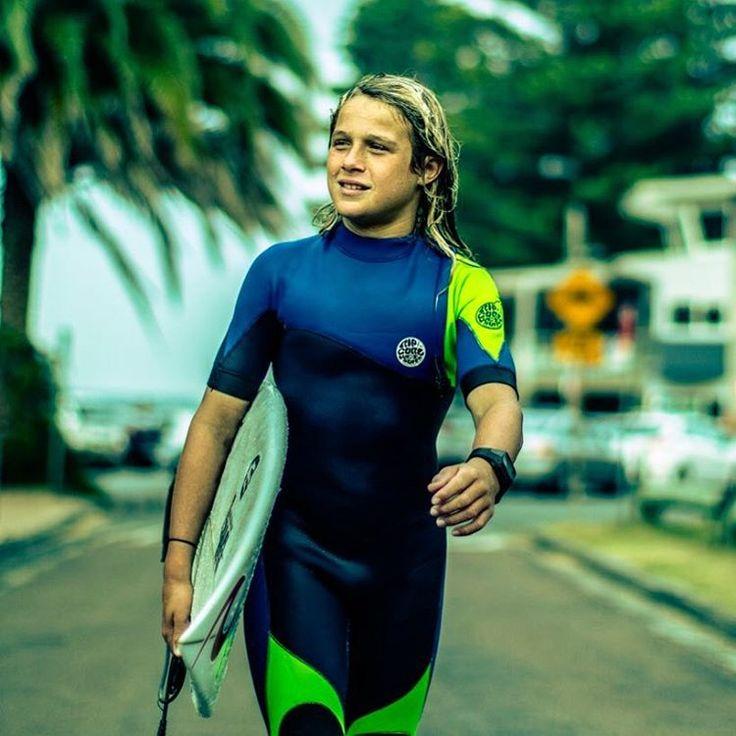 """1,497 curtidas, 25 comentários - Logan Steinwede (@logansteinwede) no Instagram: """"Life is good. 📷 by @steinwedemedia  #surfingiseverything #lifeisgood  @ripcurl_aus @surferschoice…"""""""