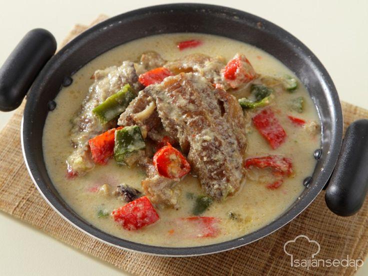 Yuk, simak cara memasak mangut ikan dengan cita rasa yang begitu eksotis dan berasap.