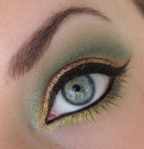 Have You Seen Hera's goldilux?1Golden Green, Makeup Worship, Makeup Inspiration, Green And Gold Makeup, Eye Makeup, Makeup Ideas, Eyemakeup, Beautiful Placements, Beautiful Eye
