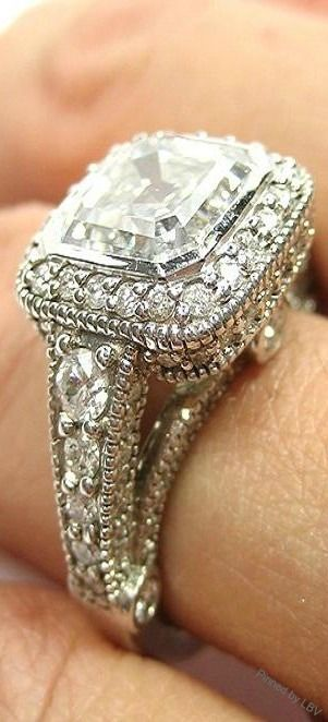 Engagement Rings - Vintage Diamond Ring with Platinum Work | WedMeGood #wedmegood #rings #diamond