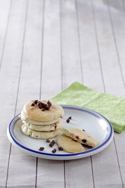 Pancake pisang cokelat keping, pilihan bekal untuk si kecil yang menggugah selera. Yuk lihat resepnya.