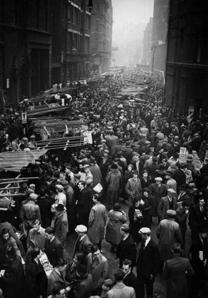 Petticoat Lane market in 1938.