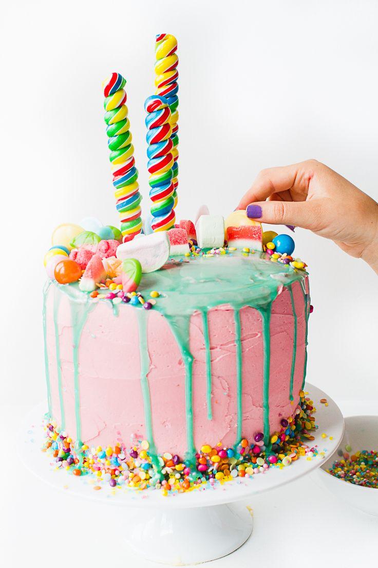 How to make this katy perry themed birthday cake. love. Katherine Sabbath Inspired Cake tutorial themed decorating cake White-7