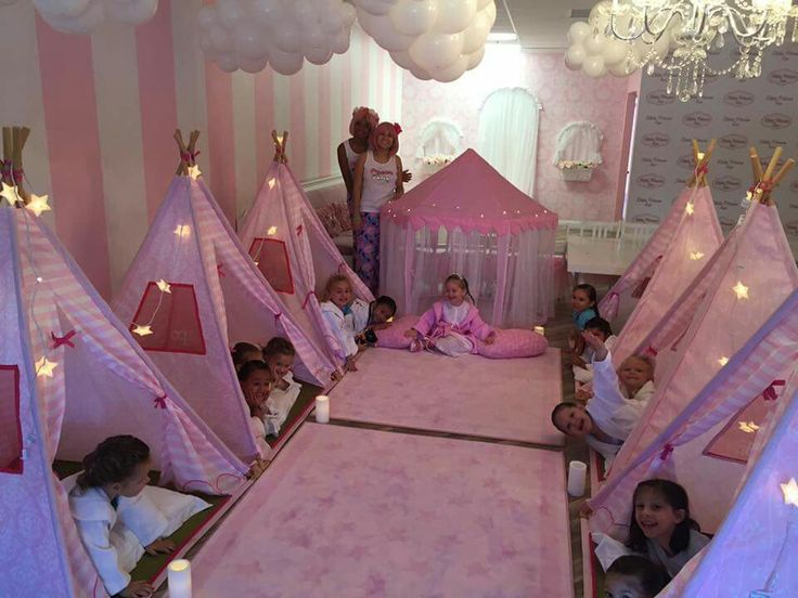 My baby girl will have a party like this lol (if I have a gurl) lol