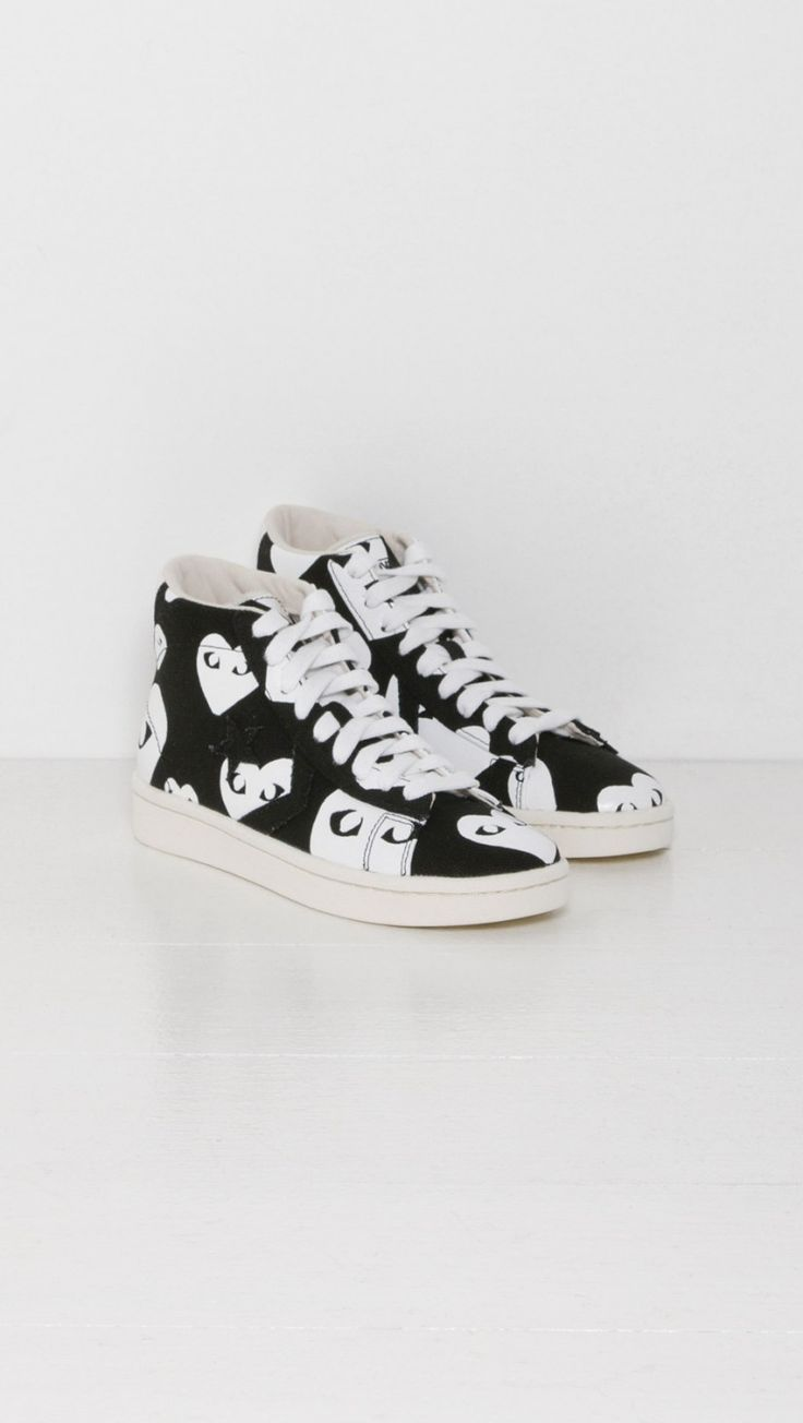Play Comme des Garçons Play Converse Pro Leather in Black and White Heart | The Dreslyn