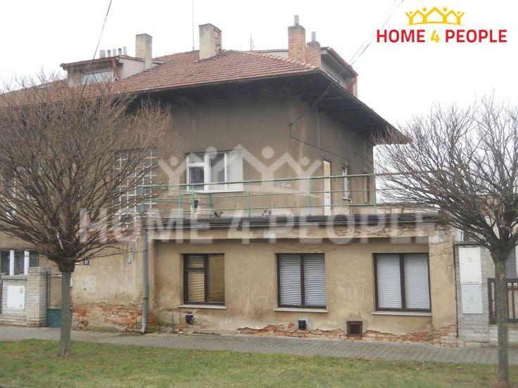 Vila 700 m² k prodeji Rozvodova, Praha 4 - Modřany; 13000000 Kč, parkovací místo, patrový, samostatný, cihlová stavba, dobrý.