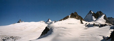 From bertol hutte - on top of Bertol pass - you can see Hérens glacier