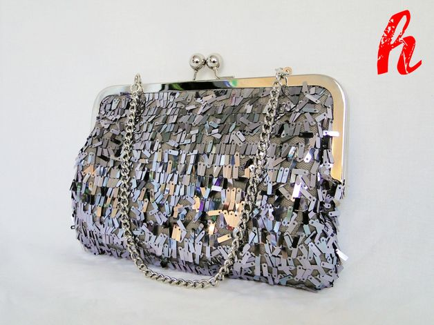 Schicke Clutch mit silber Pailletten, Tasche für das perfekte Silvester Outfit / pretty clutch with silver sequins, bag for the perfekt new years eve outfit by habseligkeiten via DaWanda.com