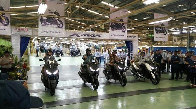 Demam MAXI Yamaha Melanda Indonesia, Dalam Satu Hari 1.000 Orang Bersiap Jadi Pemilik XMAX Melalui Indent Online