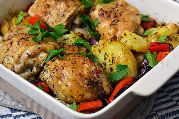 Vandaag laat ik 'dat lekkere kipgerecht' van mijn held Matt Preston aan je zien. Een ovenschotel met veel groenten en malse kippendijen. Heerlijk.
