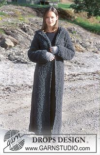 DROPS 67-19 - DROPS Long coat with hood in Big Bouclé. Fingerless gloves in Alpaca. - Free pattern by DROPS Design