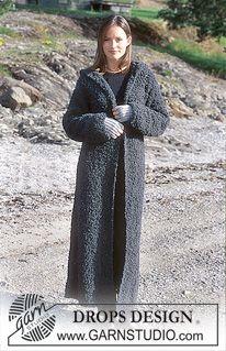 DROPS 67-19 - DROPS Long coat with hood in Big Bouclé. Fingerless gloves in Alpaca. - Free pattern by DROPS Design