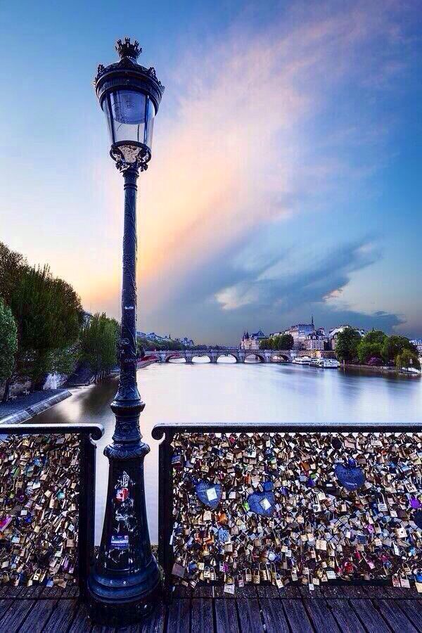 Love lock bridge paris around the world pinterest for Love lock bridge in paris