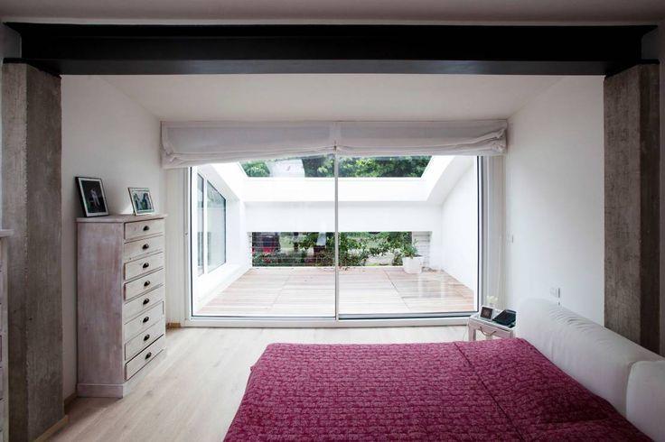Dormitorios de estilo moderno de Studio di architettura Larese Tonellato