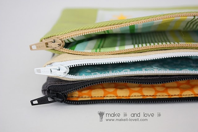 Great zippered pouch tutorial: Crafts Ideas, Irons On Vinyls, Pouch Personalized, Zippered Pouch Tutorial, Zipper Pouch, Sewing Ideas, Pouch Tutorials, Zippers Pouch, Zippers Bags