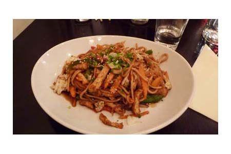 Restaurant asiatique Oji 8, cours du Maréchal Juin 33000 Bordeaux 05 56 90 94 10 du lundi au vendredi de 11H45 à 14H et de 19H à 22H www.oji.be