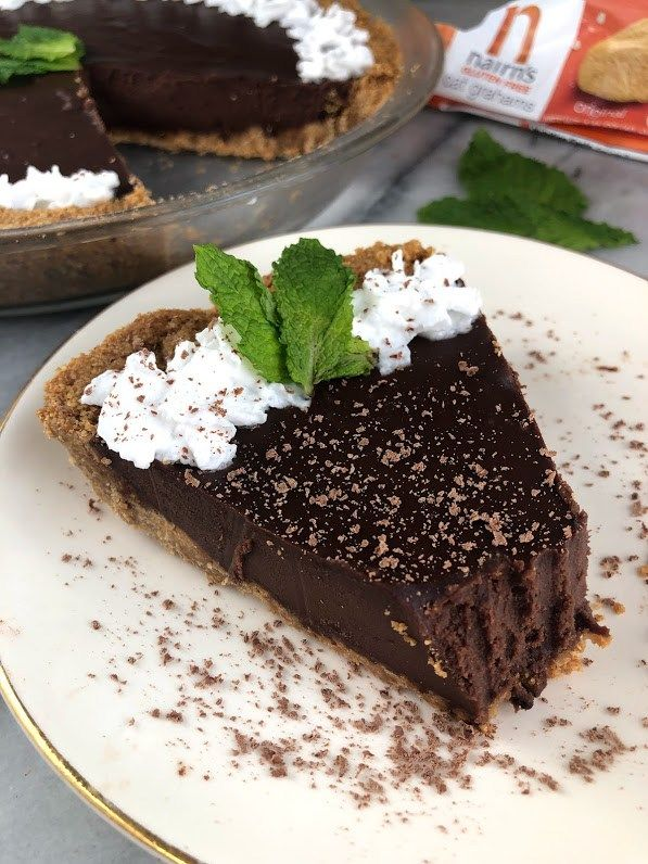 this vegan mint chocolate tart is a delicious rich chocolate dessert made with a gluten free graham cracker crust with images vegan mints dessert recipes mint chocolate pinterest
