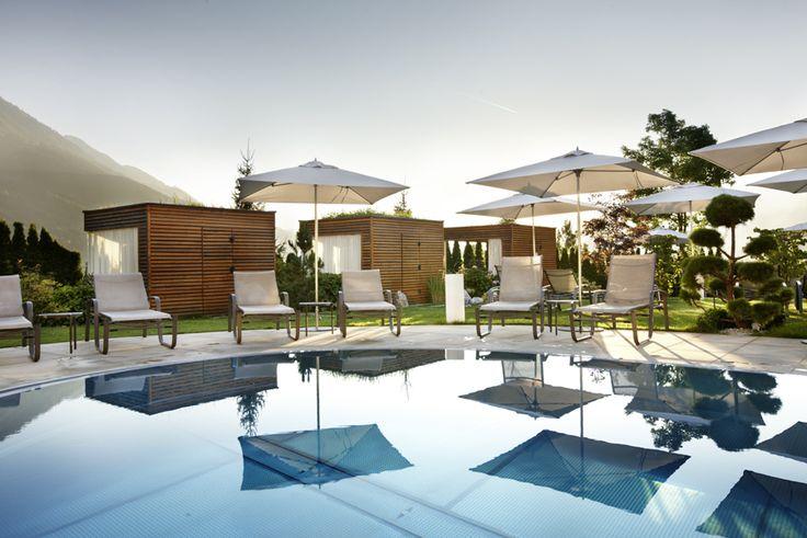 Wellnessurlaub in Österreich im Hotel Sonnhof | Summertime | Pool area | Alpendorf
