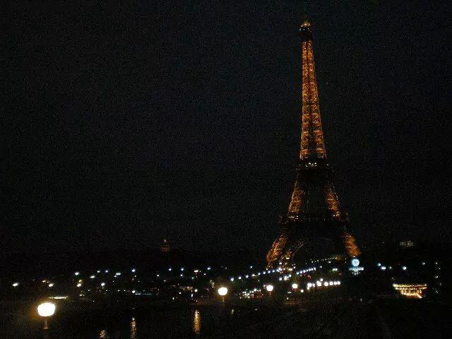 Paris throwback