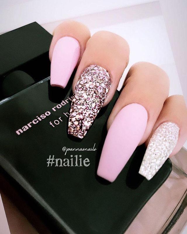 Pink And Rose Gold Glitter Nails Pink And White Nails Gel Nails Spring Nails Acrylic Nails Gold Glitter Nails Cute Spring Nails Short Acrylic Nails