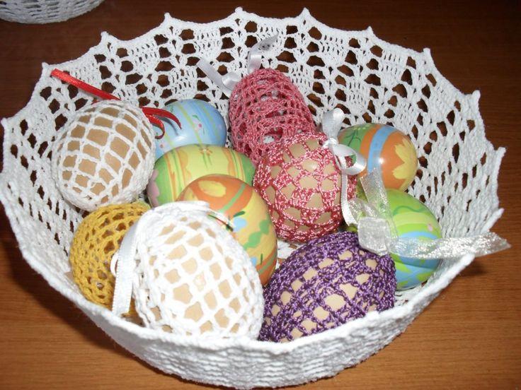 horgolt tál tojásokkal