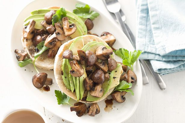 avocado & roasted balsamic mushroom bagel