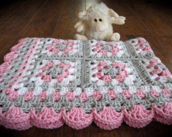 Baby Boy Baby Girl Granny Square Blanket di DonnasPinsandNeedles