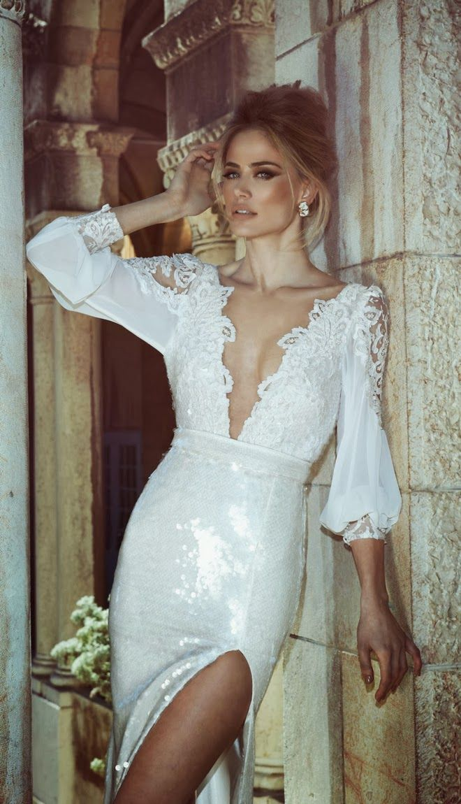 Tal Kahlon 2013 #WeddingDress | http://www.bellethemagazine.com/2013/12/tal-kahlon-2013-bridal-collection.html