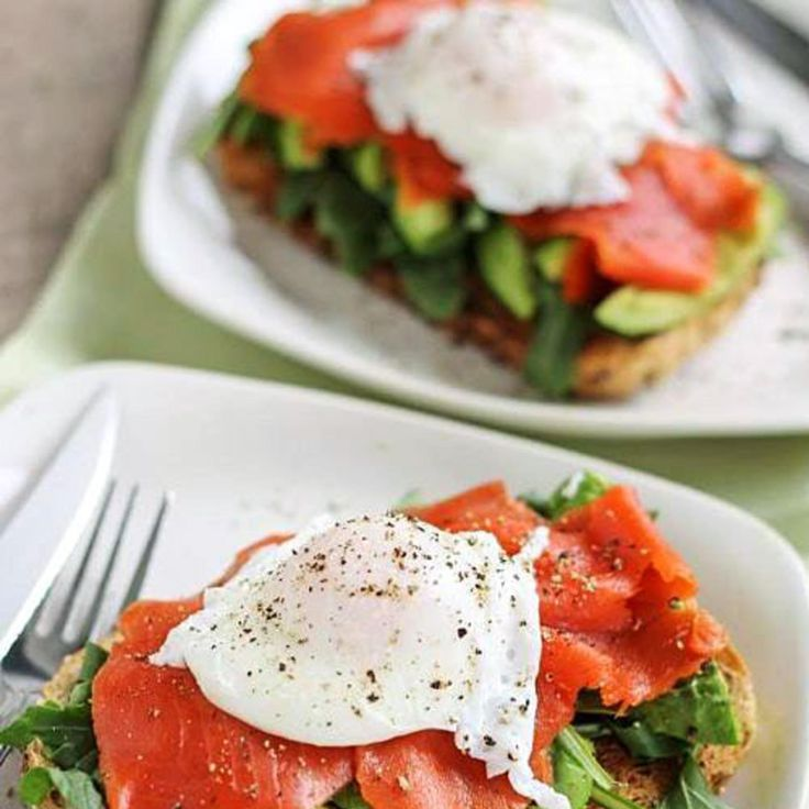 Smoked Salmon and Avocado Egg Sandwich: Keep your breakfast sandwich ...