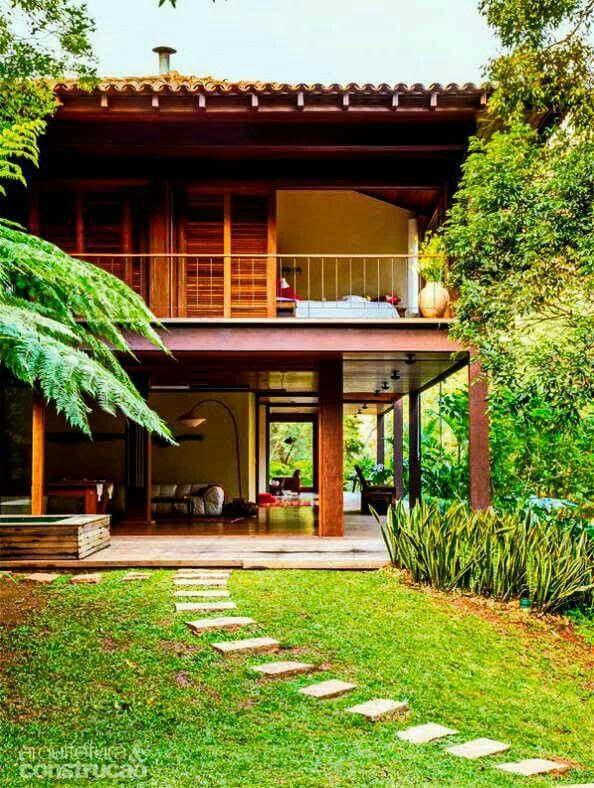 บ้านไม้ 2 ชั้น ท่ามกลางบรรยากาศธรรมชาติที่สวยงาม