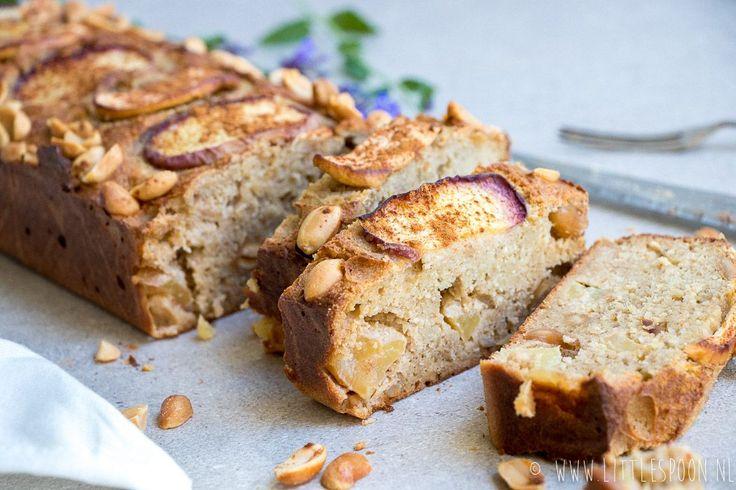 Zin in een gezond en super lekker ontbijt? Maak dan deze havermoutcake met appel en perzik. Heb je de hele week ontbijtplezier van.