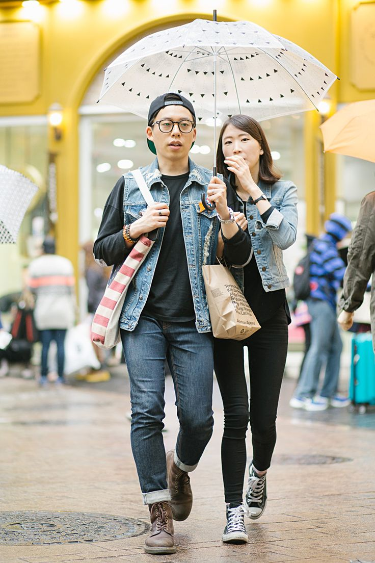 12 photos that prove the matchy-matchy Korean couple look is street style's latest trend