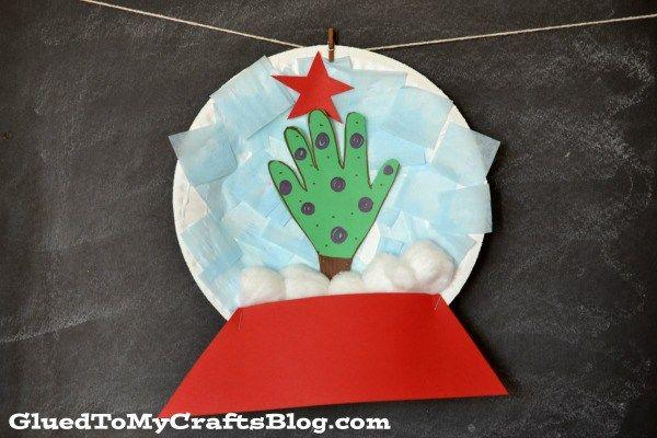 Paper Plate Snow Globe {Kid Craft}