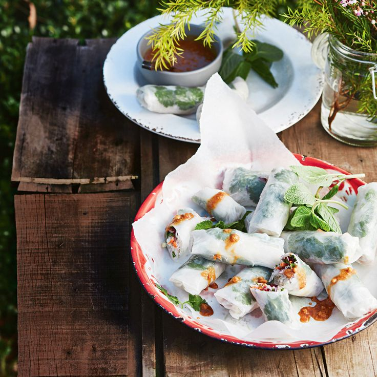 How to make delicious Rice Paper Rolls