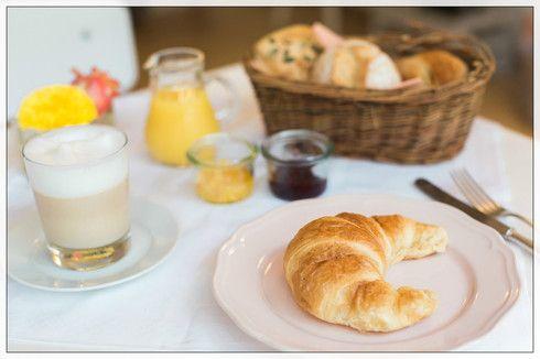 Breakfast --- Photo by Ashley Ludaescher Photography  (http://ashleyludaescher.com/de/)