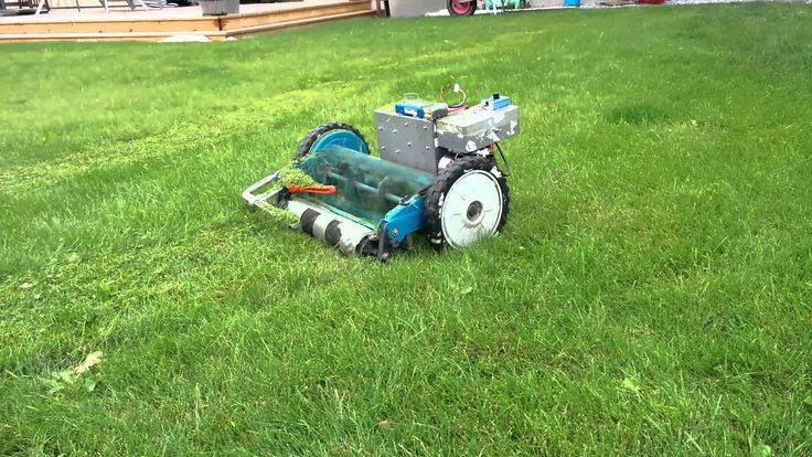 RC controlled electrified cylinder lawn mower