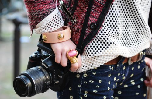 : Street Fashion, Streetfashion, Pattern, Street Style, Outfit, Camera, Jeans, Isabel Marant, Accessories